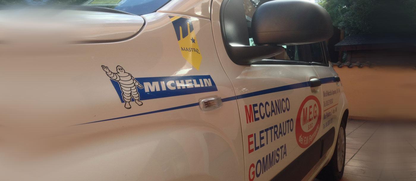 Grafica realizzata su un automezzo di cortesia ditta MEG Grafica realizzata su un automezzo di cortesia ditta MEG grafica pubblicitaria a roma Grafica su Automezzo MEG 03