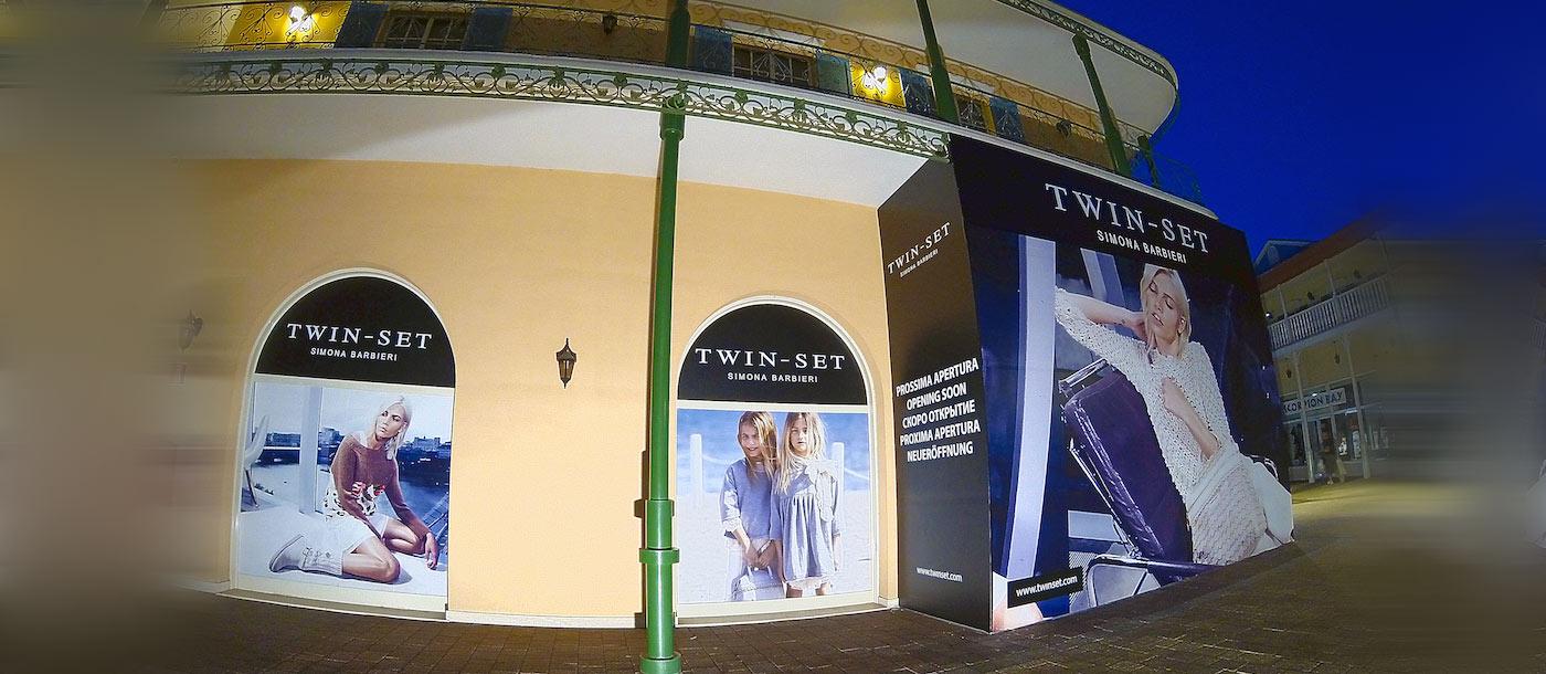 Gigantografie, applicazioni grafiche su superfici di grandi dimensioni Gigantografie, applicazioni grafiche su superfici di grandi dimensioni grafica pubblicitaria a roma Twin Set 01