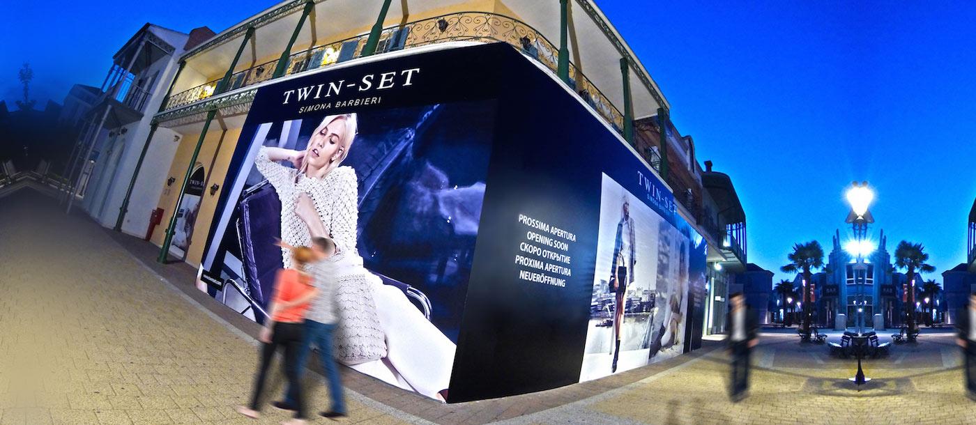Gigantografie, applicazioni grafiche su superfici di grandi dimensioni Gigantografie, applicazioni grafiche su superfici di grandi dimensioni grafica pubblicitaria a roma Twin Set 05